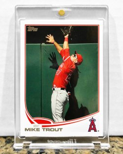2013 Topps  Mike Trout (Catching Photo Variation)