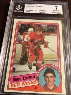 1984 Topps  BGS NM 7 RC  STEVE YZERMAN #49 Detroit RedWing HOF Captain #19