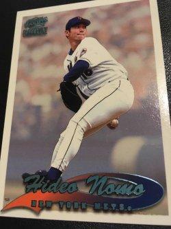 1999  Pacific Paramount  HIDEO NOMO  #152  Mets/ Dodgers/Detroit Tigers RHP