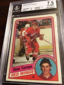 1984 Topps RC  BGS 7.5 NM+  STEVE YZERMAN #49 Detroit RedWing HOF Captain  #19