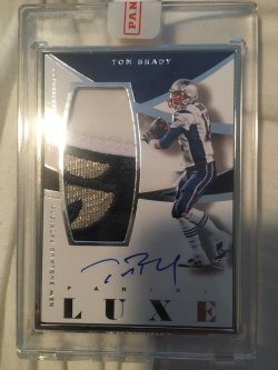 2016 Panini Luxe Tom Brady Logo Patch Framed Auto