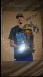 2016   Shaun Livingston 8x10 Photo w/ 2015 Champs inscription IP Autograph