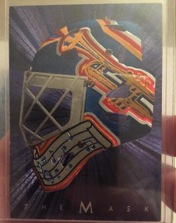 2001  Be A Player Curtis Joseph The Mask