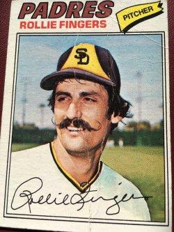 1977 Topps  ROLLIE FINGERS #523 SD Padre Oakland As AllStar RHP